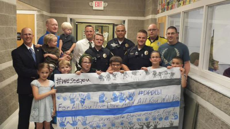 Children show support to safety forces